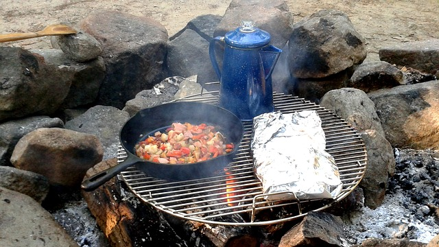 camping-essentials cooking-tools