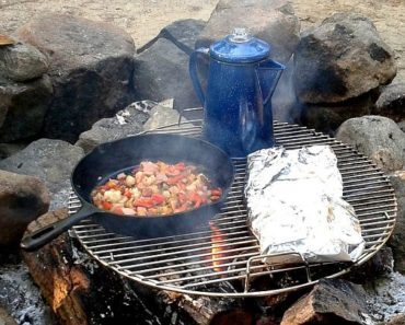 camping-breakfast on the fire